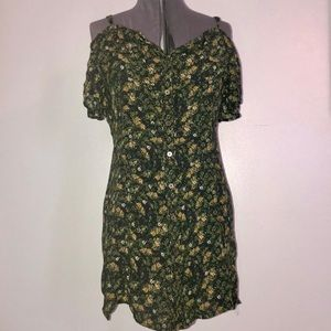 Mossimo cold shoulder green floral dress